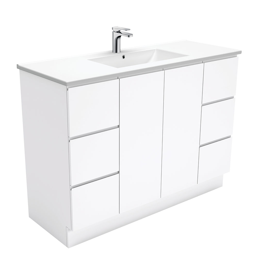 Dolce Fingerpull Gloss White 1200 Vanity on Kickboard