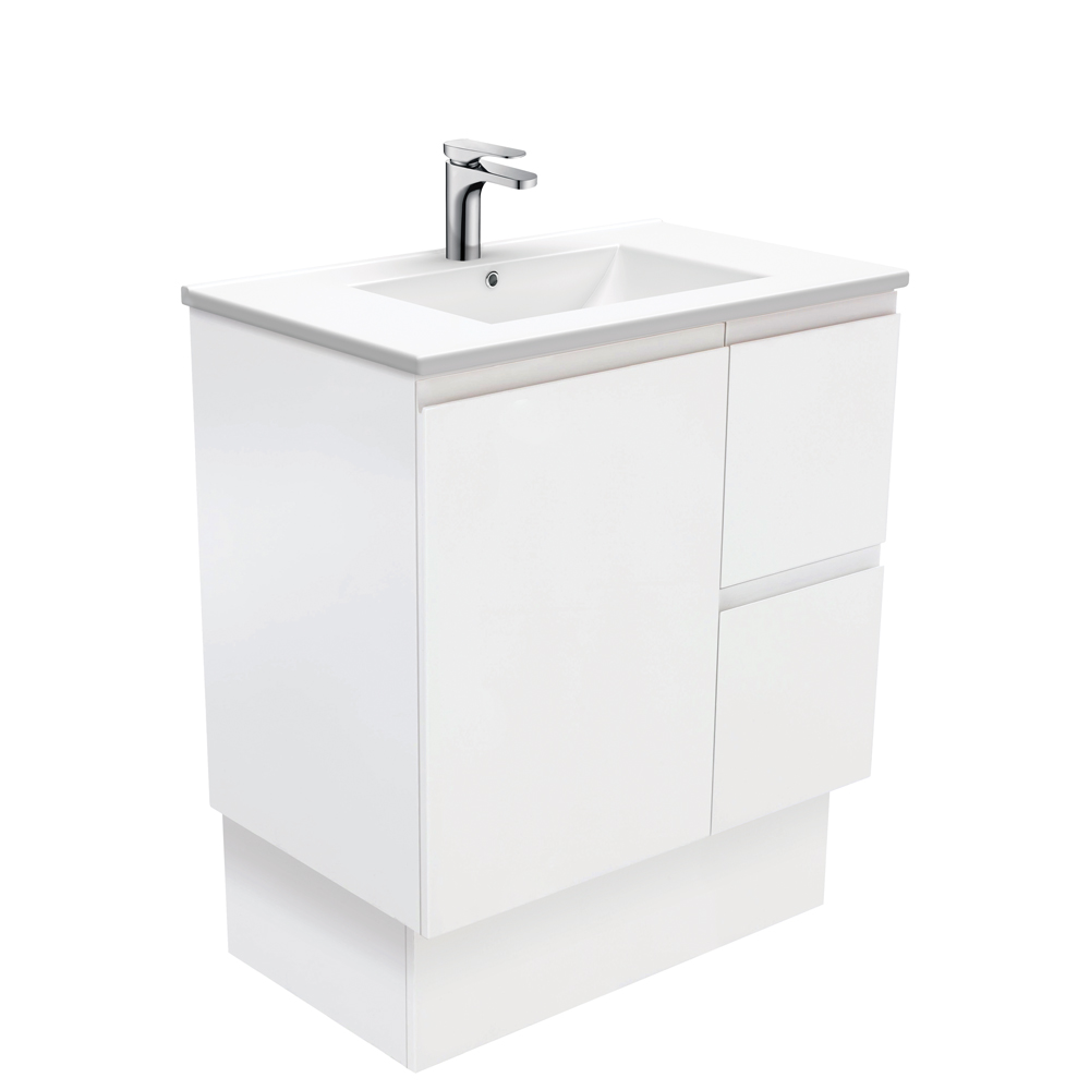 Dolce Fingerpull Matte White 750 Vanity on Kickboard