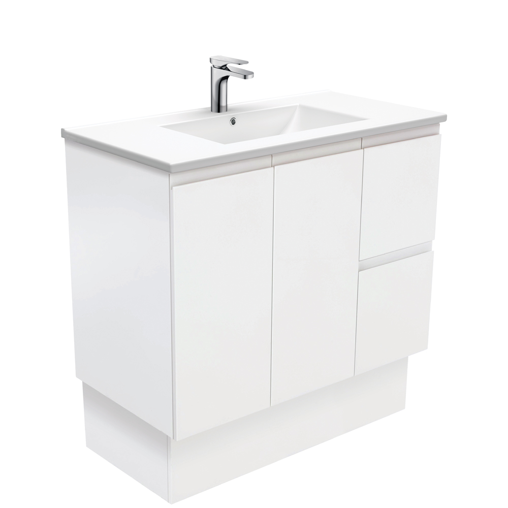 Dolce Fingerpull Matte White 900 Vanity on Kickboard