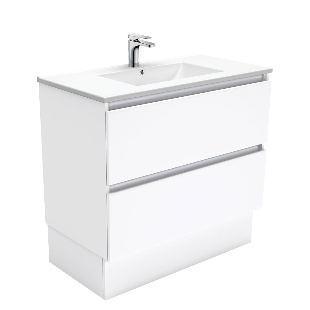 Dolce Quest 900 Vanity on Kickboard