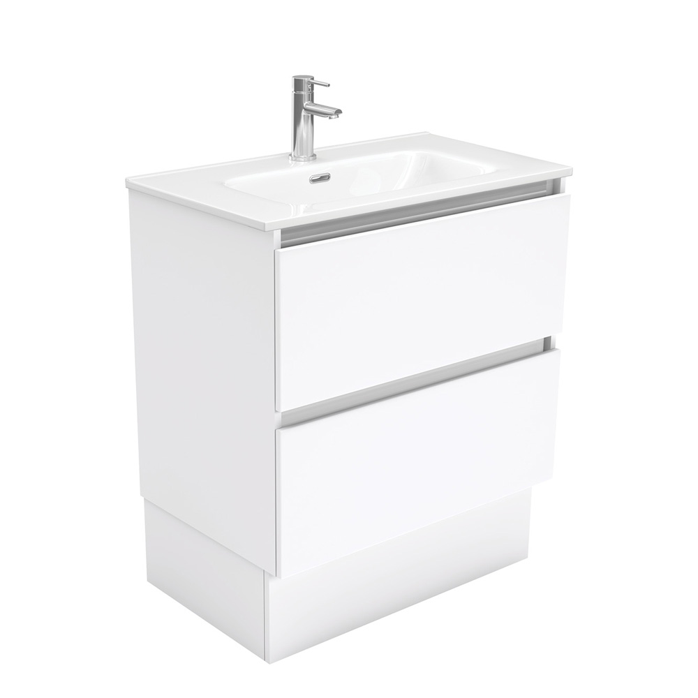 Joli Quest 750 Vanity on Kickboard