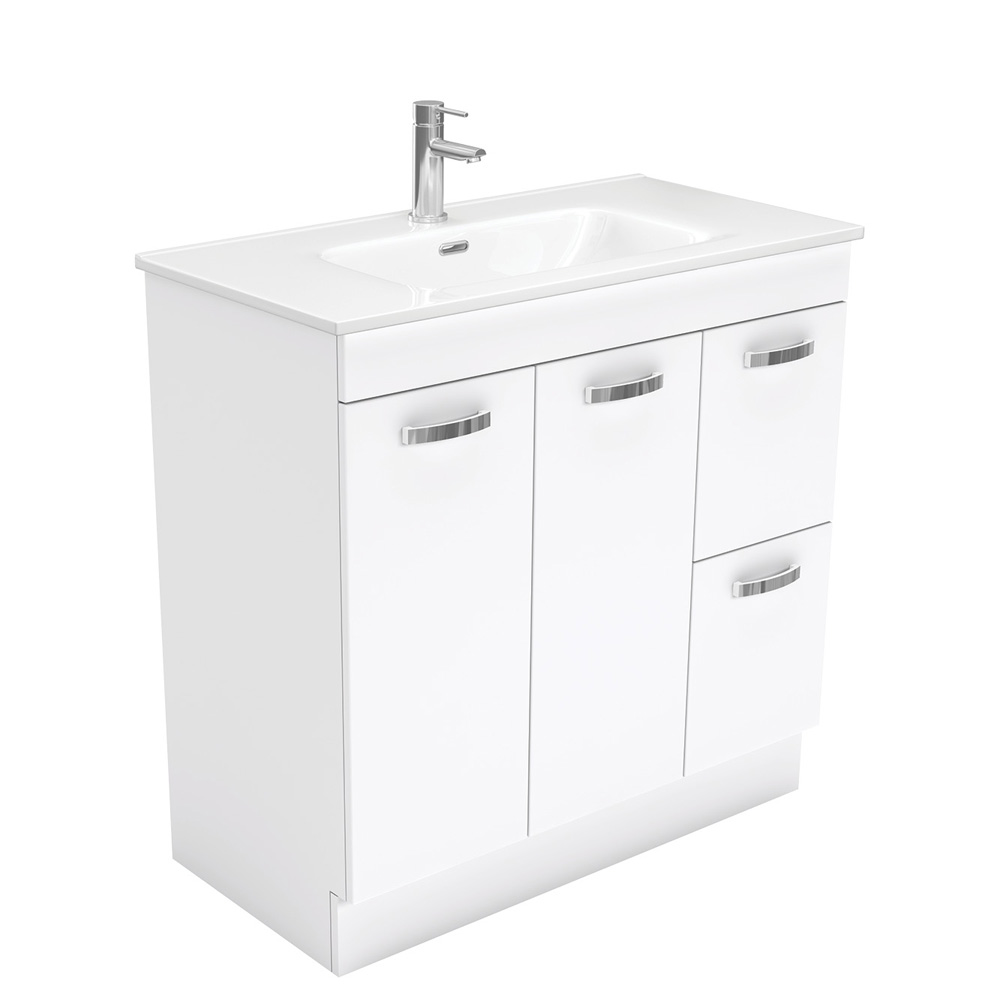 Joli UniCab 900 Vanity on Kickboard
