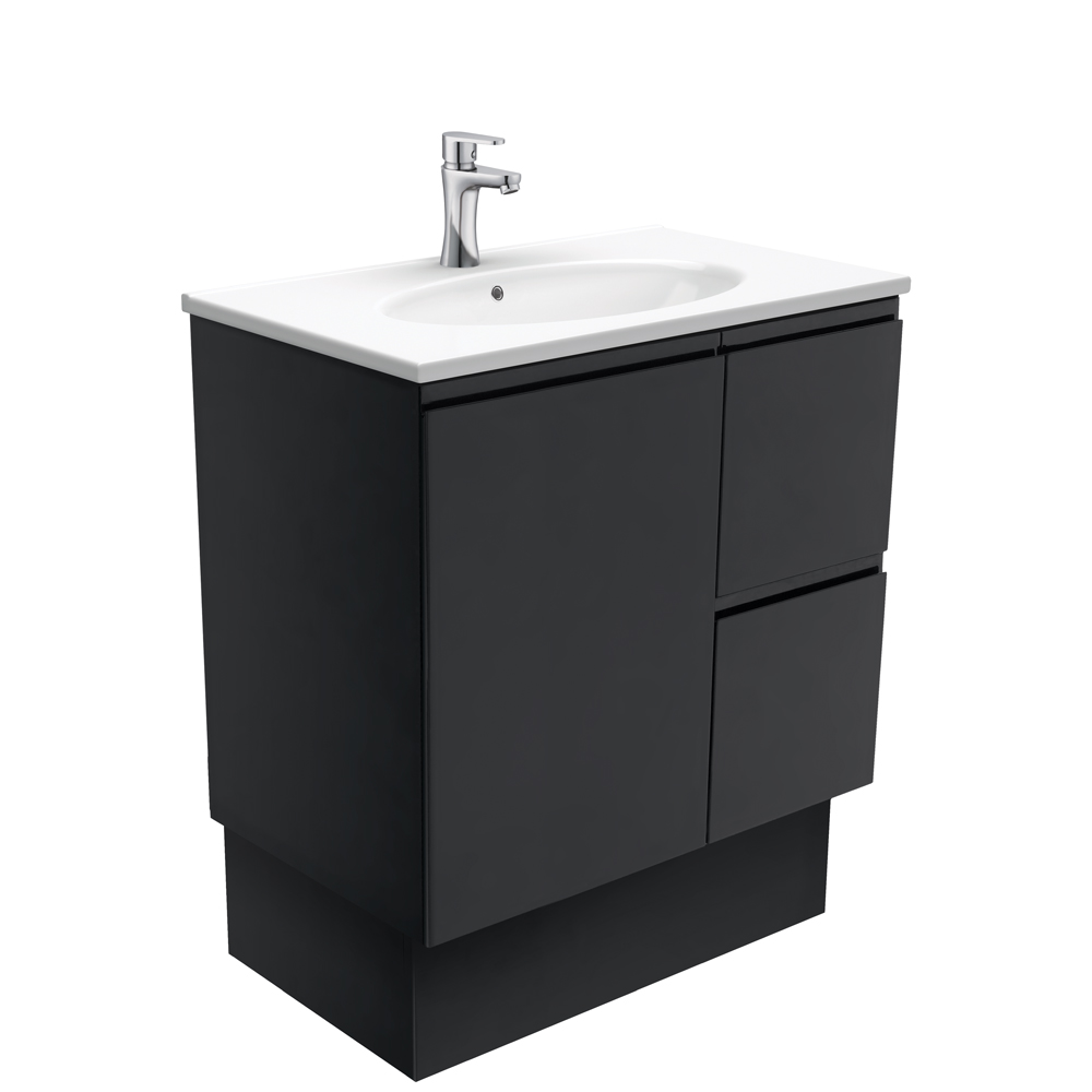 Rotondo Fingerpull Matte Black 750 Vanity on Kickboard