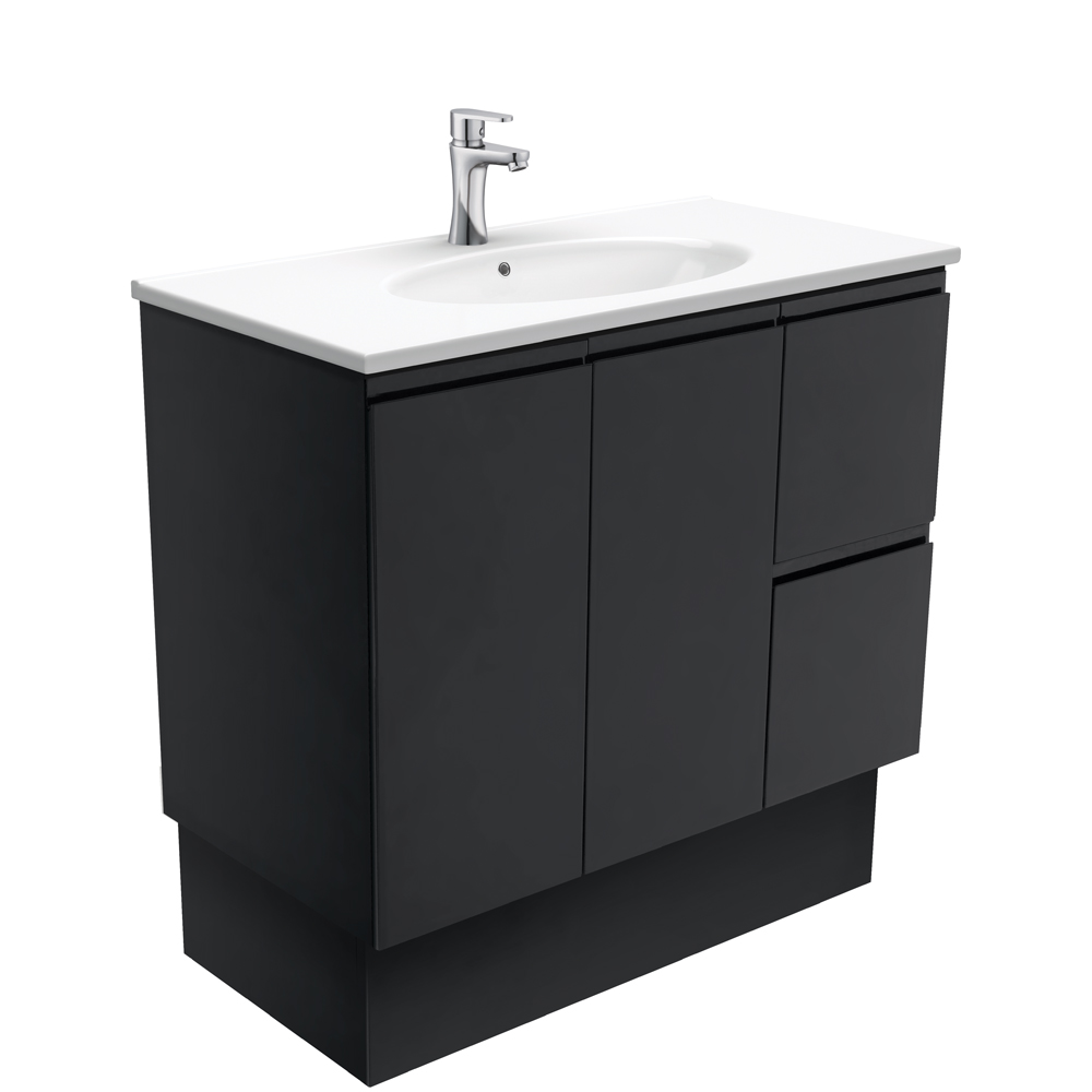 Rotondo Fingerpull Matte Black 900 Vanity on Kickboard